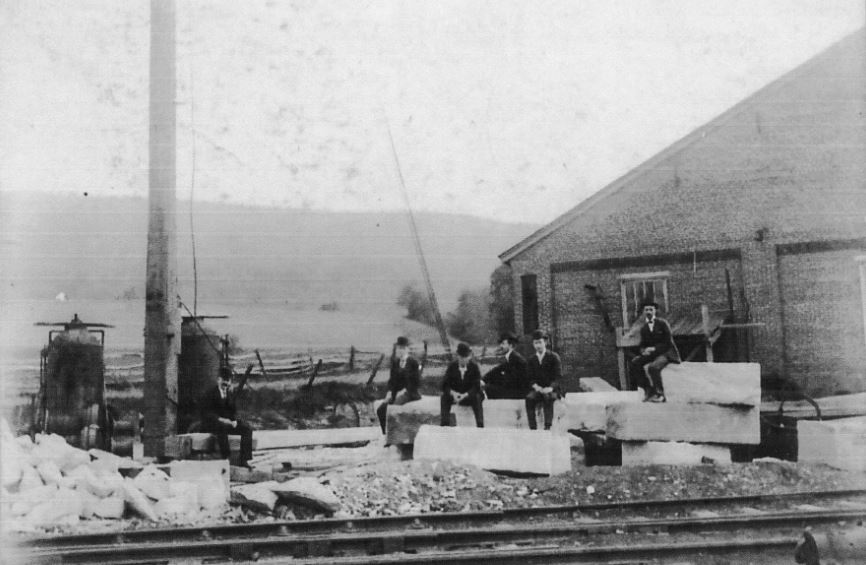 0-01-RoundHouse-1899-001